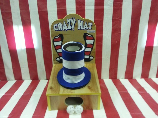 Crazy Hat Ball Toss Game
