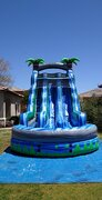 22 Foot Blue Crush with splash Pool wet