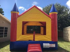 Castle Bounce  2-in-1  w/ Basketball Hoop