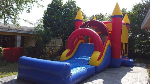 Jump and Splash Dry Slide