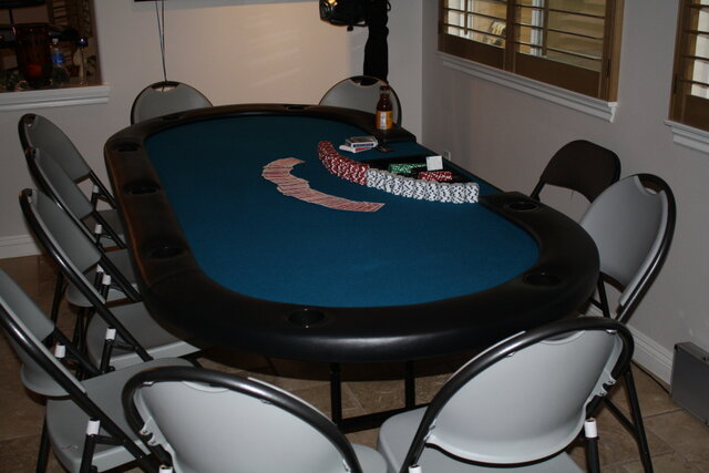 Casino Poker Table - Texas Hold Em