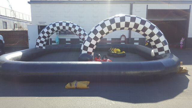 Kiddie Go Karts with Inflatable 20X20 Track