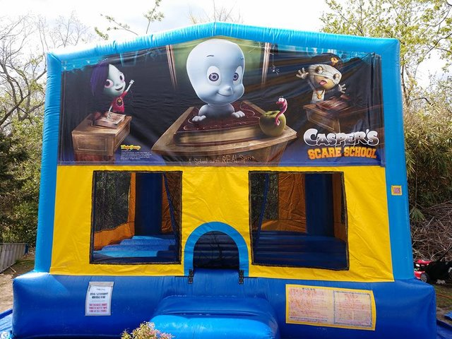 Casper Bounce House Large