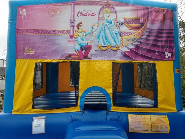 Cinderella Bounce House Large